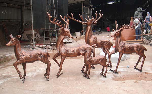 新款仿真梅花鹿雕塑现货供应